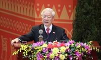 Máximo líder político de Vietnam urge a una mayor determinación para superar dificultades y llevar adelante al país