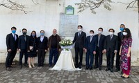 Rinden homenaje póstumo a periodistas argelinos caídos en Vietnam
