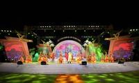 Efectúan en Phu Tho un programa artístico en saludo al Festival del Templo de los Reyes Hung