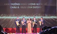 Otorgan a más de cien empresas vietnamitas Premio Nacional de la Calidad