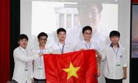 Alumnos vietnamitas conquistan numerosas medallas en las Olimpiadas Internacionales de Matemáticas y Física
