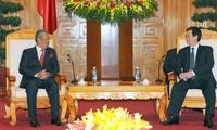 นายกรัฐมนตรี เหงียนเติ๊นหยุง ให้การต้อนรับรองนายกรัฐมนตรีและรัฐมนตรีว่าการกระทรวงศึกษาธิการมาเลเซีย