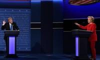 นาง ฮิลลารี คลินตัน มีคะแนนนำนาย โดนัลด์ ทรัมป์ในรัฐสำคัญ 5 แห่ง