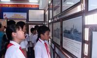 """จัดแสดงเอกสาร """"หว่างซา-เจื่องซาของเวียดนาม-หลักฐานทางประวัติศาสตร์และนิตินัย"""" ณ จังหวัดบิ่งถ่วน"""