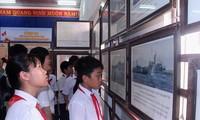 งานนิทรรศการภาพถ่ายหว่างซา เจื่องซาของเวียดนาม-หลักฐานทางประวัติศาสตร์และนิตินัย ณ จังหวัดบิ่งถ่วน