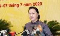 ประธานสภาแห่งชาติ เหงียนถิกิมเงิน เข้าร่วมการประชุมสภาประชาชนกรุงฮานอย