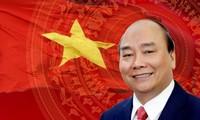 ผู้นำของประเทศต่างๆและฟอรั่มเศรษฐกิจโลกหรือ WEF ส่งจดหมายและโทรเลขแสดงความยินดีผู้นำเวียดนาม