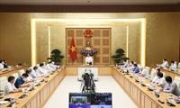 นายกรัฐมนตรี ฝ่ามมิงชิ้ง: หน่วยงานสาธารณสุขเป็นเสาหลักสำคัญในการต่อสู้กับการแพร่ระบาด