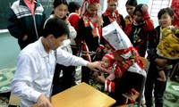 Poor people in Gia Lai province get free health check-ups