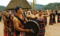 Vietnamese folk festival opens in Kontum