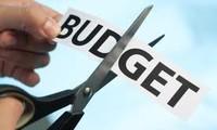 UK insists on budget cuts