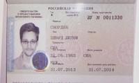 Russia grants Edward Snowden temporary asylum