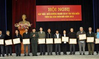 Outstanding individuals in Lao Cai province honored