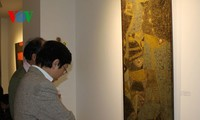 Vietnam's lacquer paintings, poonah paper introduced to French