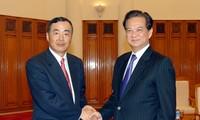 PM Dung receives foreign ambassadors