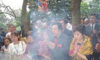Overseas Vietnamese return to visit their homeland
