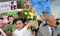 Thailand: Opposition urges Yingluck to resolve the crisis