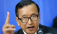 Cambodian opposition calls for talks over political deadlock
