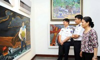 Painters draw pictures of Truong Sa archipelago