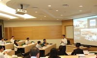 Singapore shares public administration experience with Vietnam
