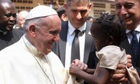 Pope Francis brings message of peace to Central African Republic