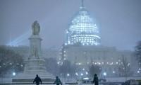 Northeast America frozen in blizzard