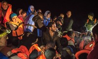 Migrant flow from Turkey to Greece continues