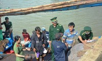 2 Filipino fishermen saved in Phu Yen