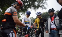 Weekend cycling, new hobby of Hanoians