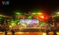 First Vietnam brocade festival closes