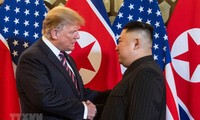 US President, DPRK Chairman hold second day of Hanoi summit