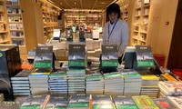"""Vietnam's novel """"The sorrow of war"""" applauded"""