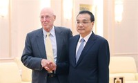 Chinese Premier calls on China, US to settle differences