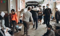 Vietnamese expats help each other amid COVID-19