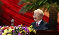 Nguyen Phu Trong congratulated on his re-election as Party General Secretary