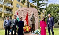 Vietnam, President Ho Chi Minh are symbols of peace, independence, freedom in Hungary