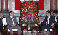 Staatspräsident Truong Tan Sang empfängt den Leiter der mongolischen Staatsanwaltschaft