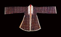 Präsentation der Sammlung der alten vietnamesischen Ao Dais in Multimedia-Installation