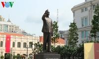 Einweihung des Denkmals des Präsidenten Ho Chi Minh in Ho Chi Minh Stadt