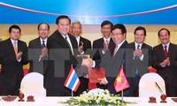 Vizepremierminister, Außenminister Pham Binh Minh besucht Thailand