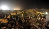 Mindestens 18 Tote bei Fabrikeinsturz in Pakistan