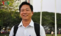 Parteimitglieder im Ausland verfolgen den 12. Parteitag aufmerksam