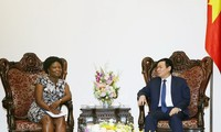 Vizepremierminister Vuong Dinh Hue trifft Vize-Präsidentin der Weltbank Victoria Kwakwa