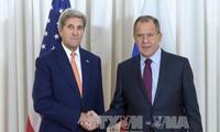 Außenminister Russlands und den USA diskutieren weiter über Syrien