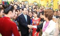 Staatspräsident Tran Dai Quang trifft 115 vorbildliche Unternehmer