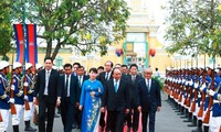 Premierminister Nguyen Xuan Phuc beginnt Besuch in Kambodscha