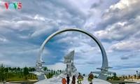 Denkmal für 64 Soldaten auf Gac Ma-die unsterblichen Blumen