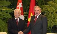 KPV-Generalsekretär Nguyen Phu Trong führt Gespräch mit Kubas Staatspräsident