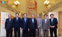 """Premierminister zu Gast im Programm """"Beseitigung der Folgen von Minen nach dem Krieg"""""""