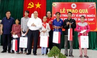 Premierminister Nguyen Xuan Phuc würdigt das Rote Kreuz Vietnams für seine Kampagne